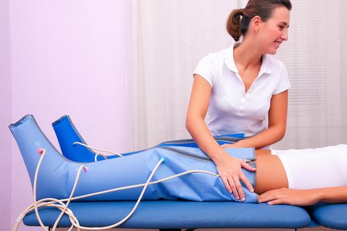 Аппаратный лимфодренажный массаж при варикозе