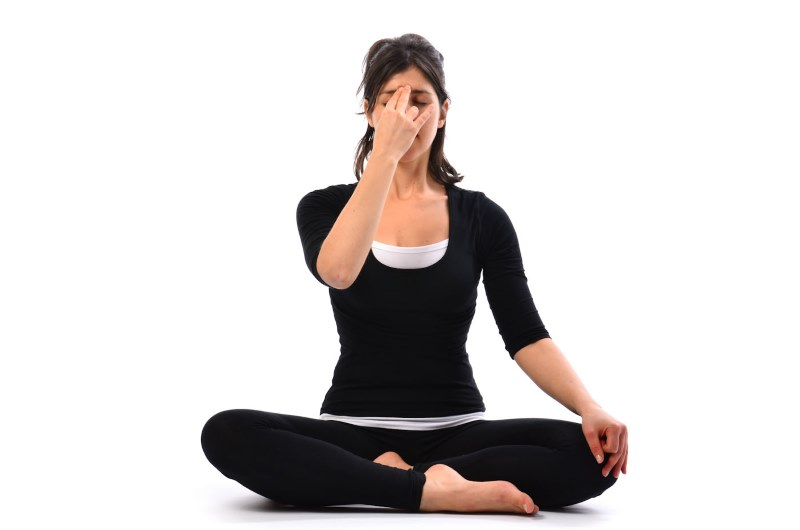 Йога от головной боли фото